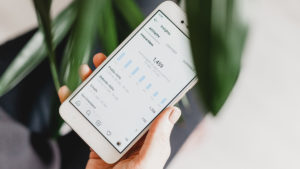 Pantau insight Instagram untuk mengetahui aktivitas pengikut